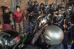 ***BESTPIX*** Forced Eviction Turns Violent In Phnom Penh